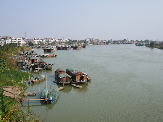 house boats on the Moyang River in in Yangjiang, China