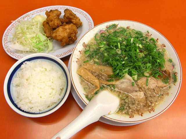 ラーメンセットの唐揚げ定食