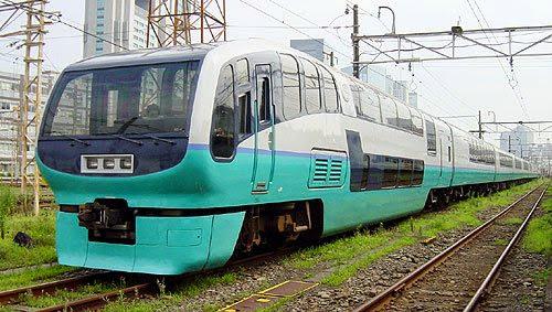 Tàu điện Super View Odoriko thực tế tại Nhật Bản