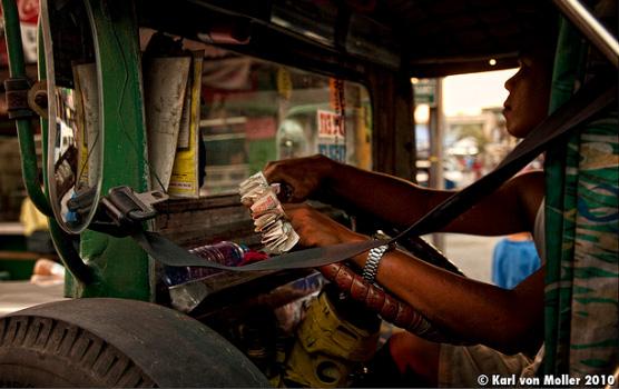 Stupid Filipino Jeepney Drivers