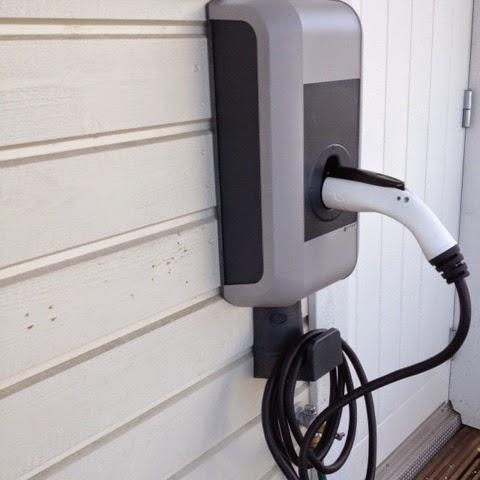 Sähköauton Latauspiste Kotiin