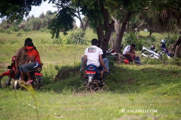 Indonesia mesum muda mudi di kamar - 1 part 2