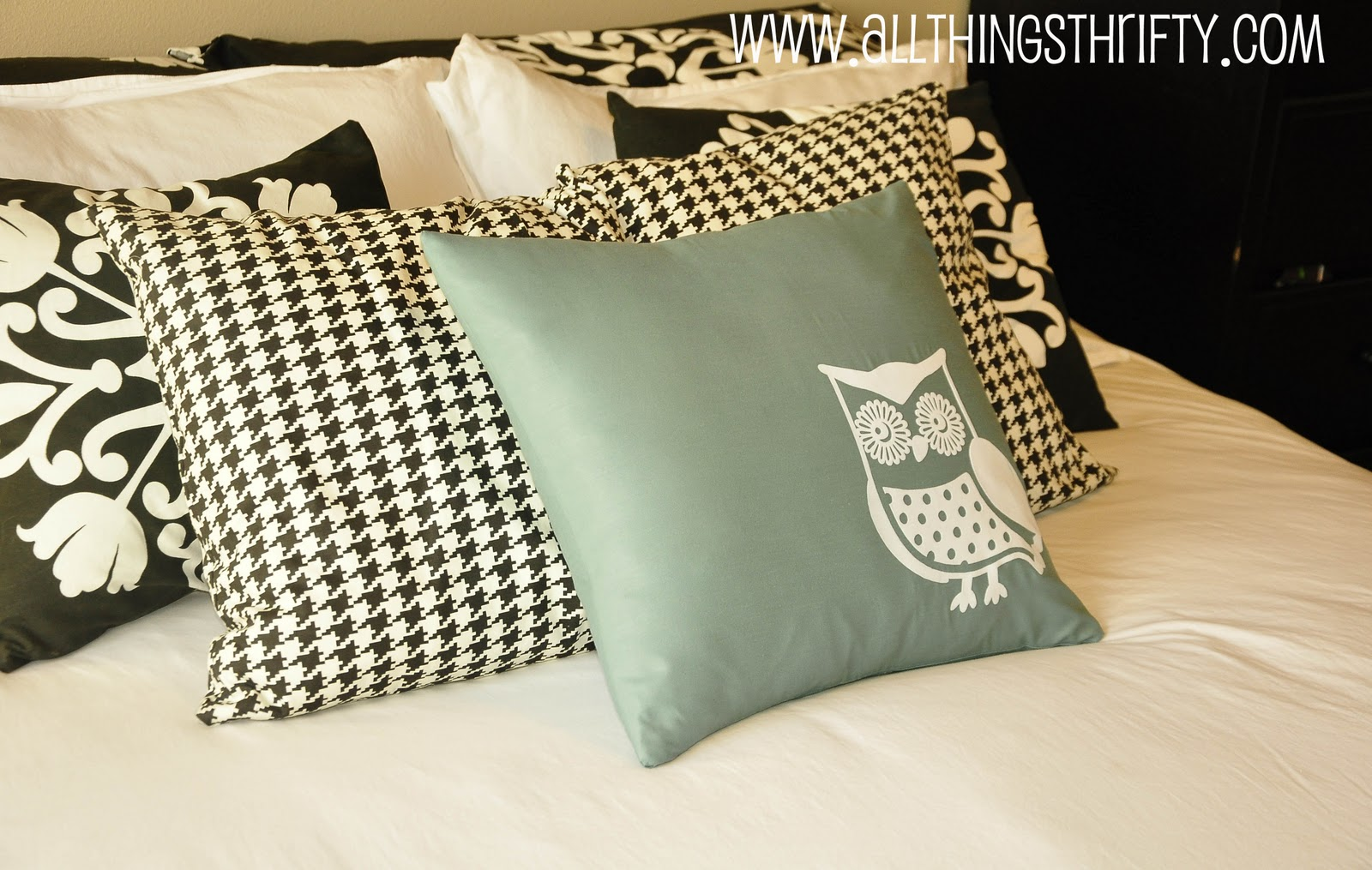 How To Make Cute Owl Pillows : Decorating: Silhouette Machine : Cute Owl Pillows