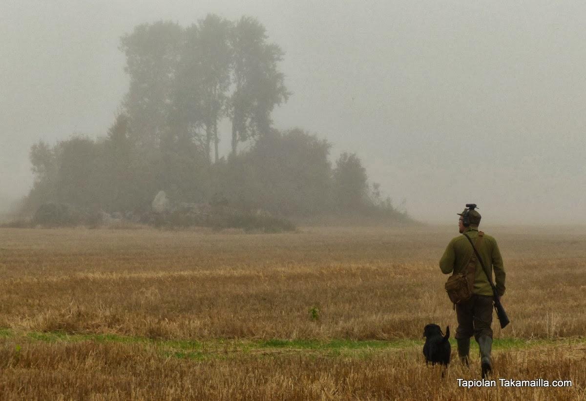 Metsästäjä ja koira