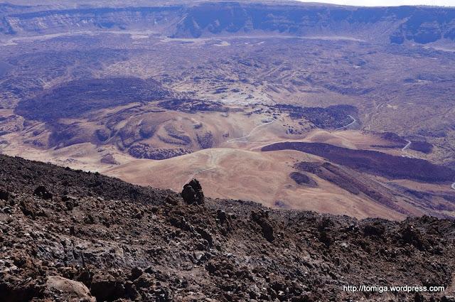 Różnorodne formy powulkaniczne, widok z Teide