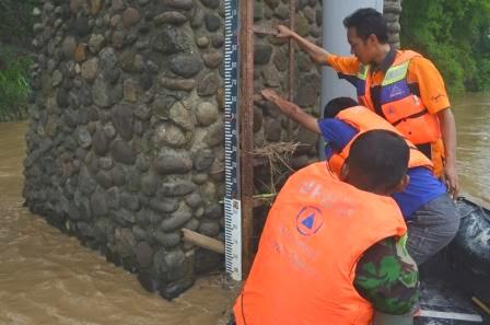 berita terkait banjir di kabupaten ngawi jawa timur