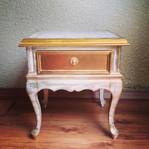 Reciclagem, Mesa Reformada, Ouro velho, Pátina