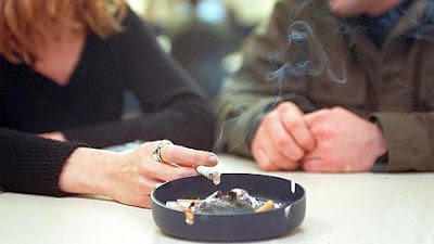 Fumadores pasivos, ¿cómo les afecta el cigarrillo?