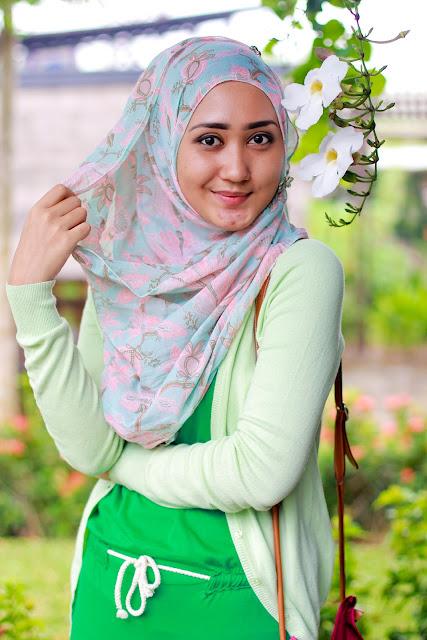 Petunia Dian Pelangi  Hijab Trade Fashion