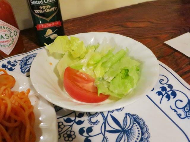 付け合せの野菜サラダ