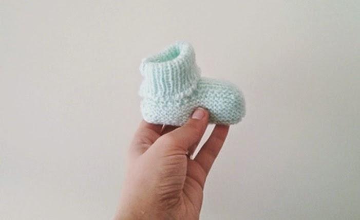 baby booties :: botinhas de bebé