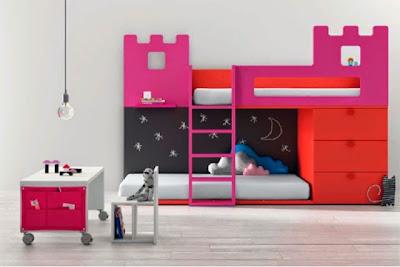 cama tren con forma de castillo