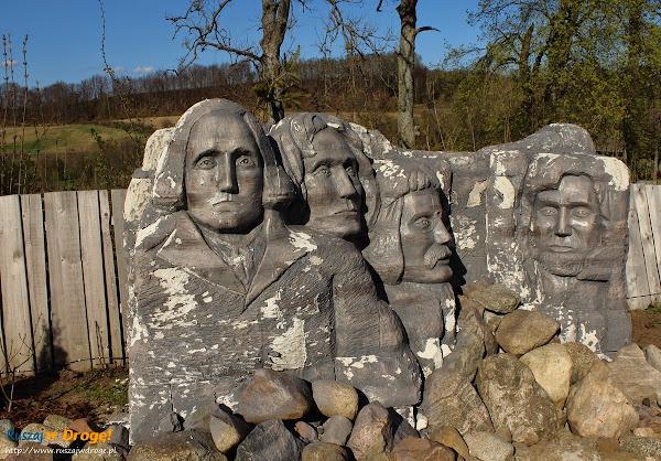Kaszubski Park Miniatur Strysza Buda - Góra Rushmore
