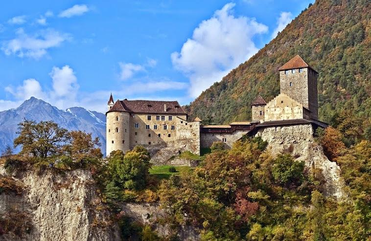 Замки в Доломитовых альпах
