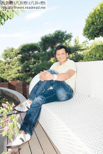黃日華首度開腔剖白他當年與其他電視小生間的恩怨情仇。