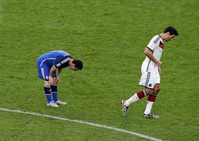Messi Sente-se Mal E Vomita Em Pleno Relvado Durante A Final Do Campeonato Do Mundo 2014