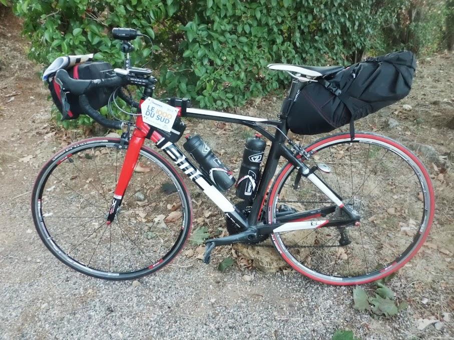 Conoscete il bikepacking  sono le borse giuste per le randonées ... 69ddd568eb3