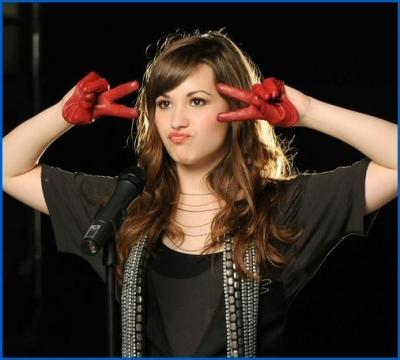 Goodgirl Demi Lovato Style - Gaya rambut pendek demi lovato