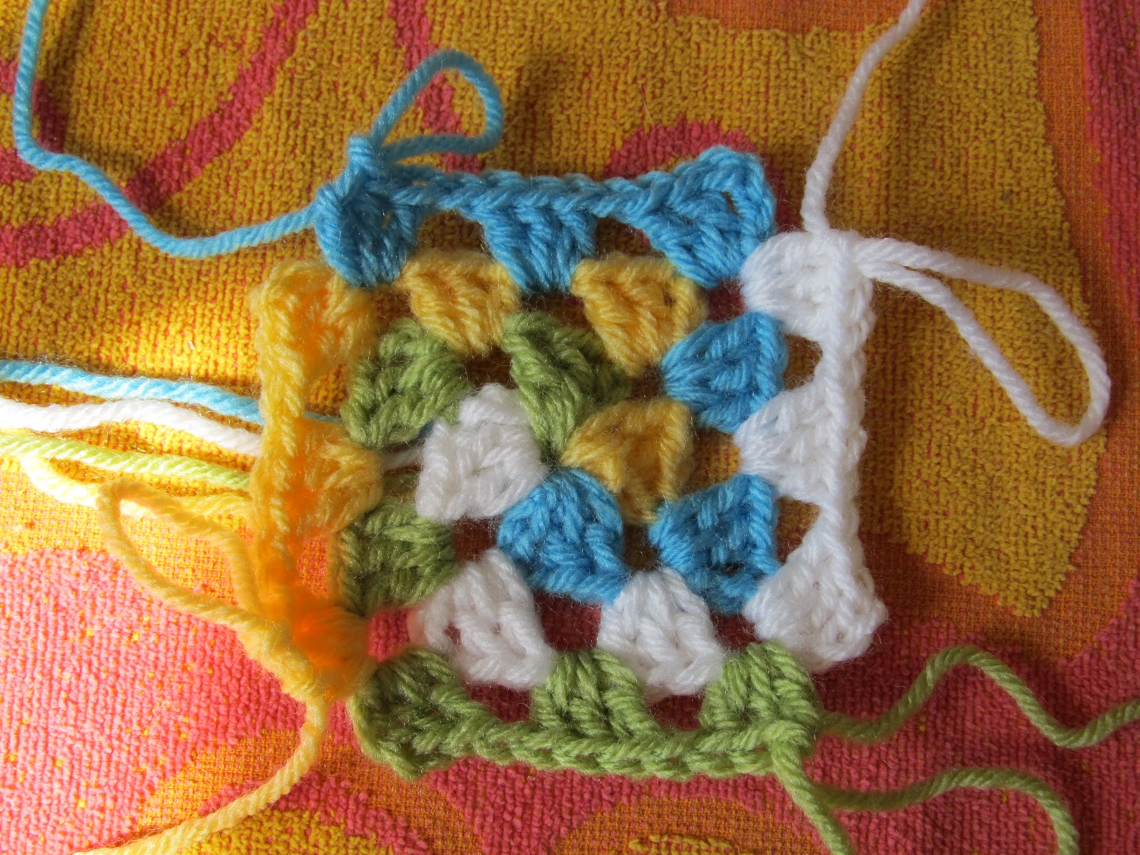 SmoothFox Crochet and Knit: SmoothFoxs Spiral Granny ...