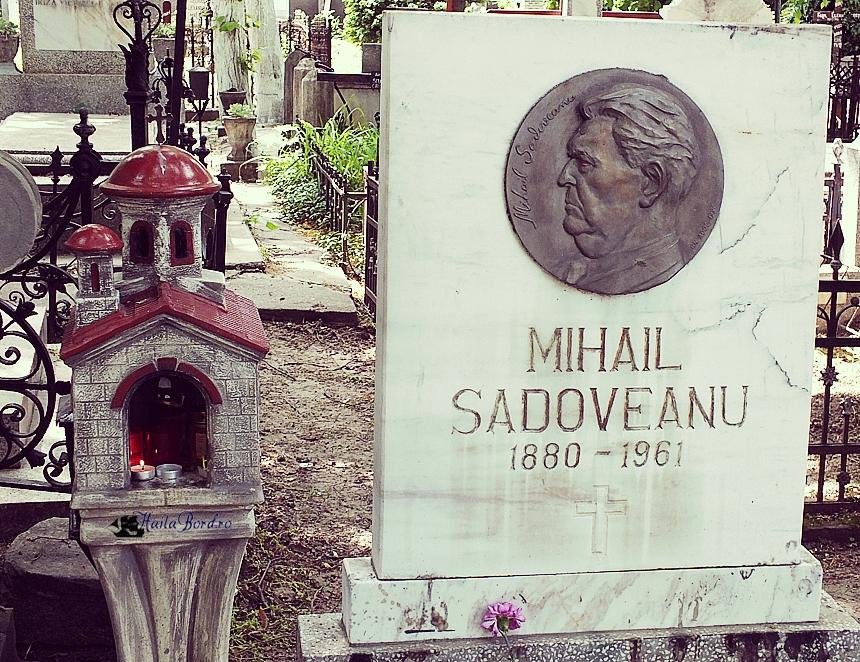 mormant mihail sadoveanu cimitir bellu