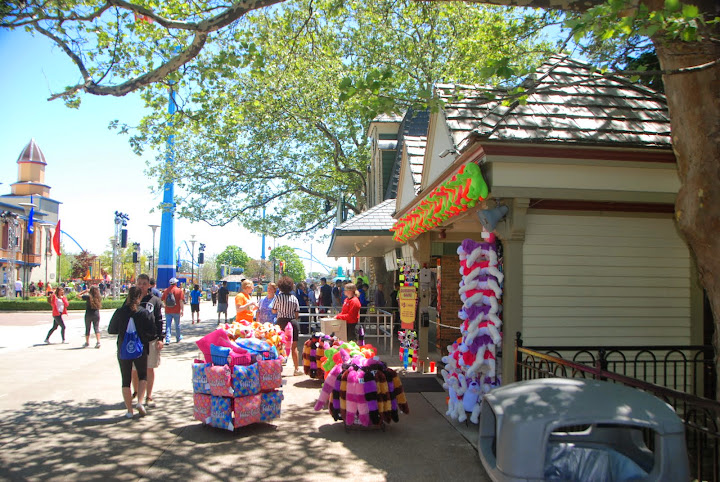 Shopping at Cedar Point - including games! From The Complete Guide to Visiting Cedar Point