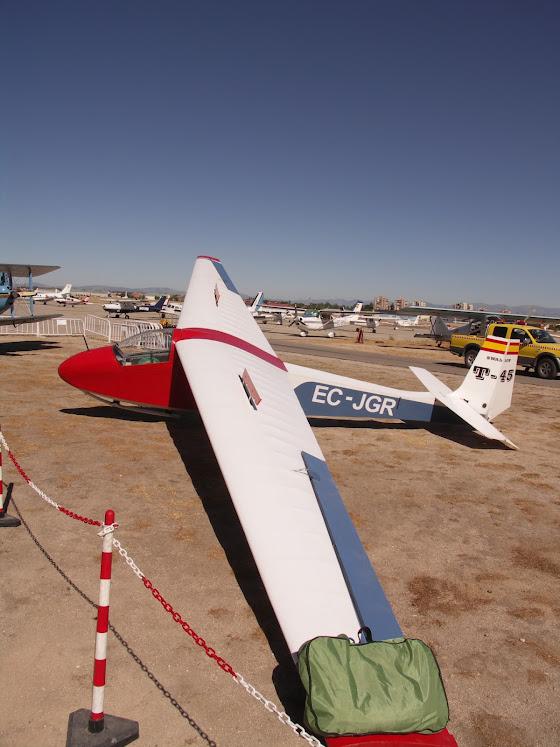"""Exhibición aerea de la Fundación """"Infante de Orleans"""". SLINSBY+T-45+SWALLOW"""