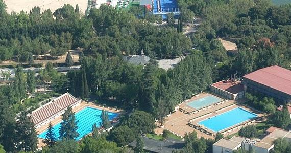 Obras de reparaci n de la piscina de la casa de campo es for Piscina municipal casa de campo