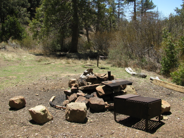 grills at Pine Mountain Lodge Campground
