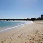 Walking along Jibbon Beach (98813)