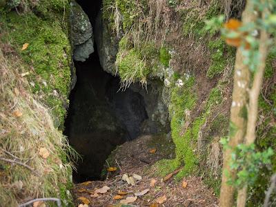 Entrada a la cova petita