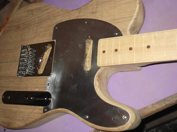 Construção guitarra telecaster, meu 1º projeto bolt on. Finalizado e com vídeo - Página 2 DSCF0858