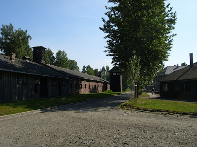 収容所の敷地