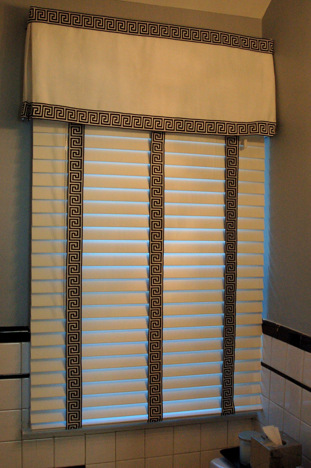 Here S Another Easy And Inexpensive Diy I Ve Made These Box Pleat Valances For 2 Bathrooms In My Home The Master Posted About Blinds