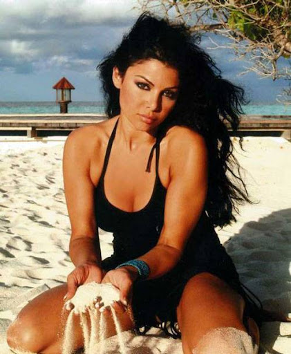 Arab Model Haifaa Wehbe in sea