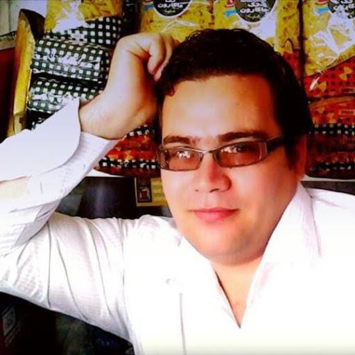 mustafa zahmatkesh