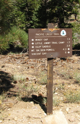 sign at the end of the ridge trail
