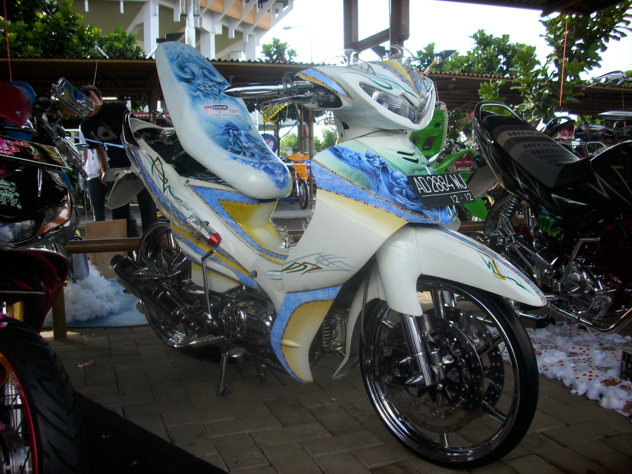Jupiter Mx Modifikasi Warna Biru Putih