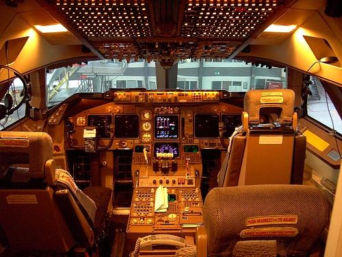 В кабине пилота самолета Boeing-747