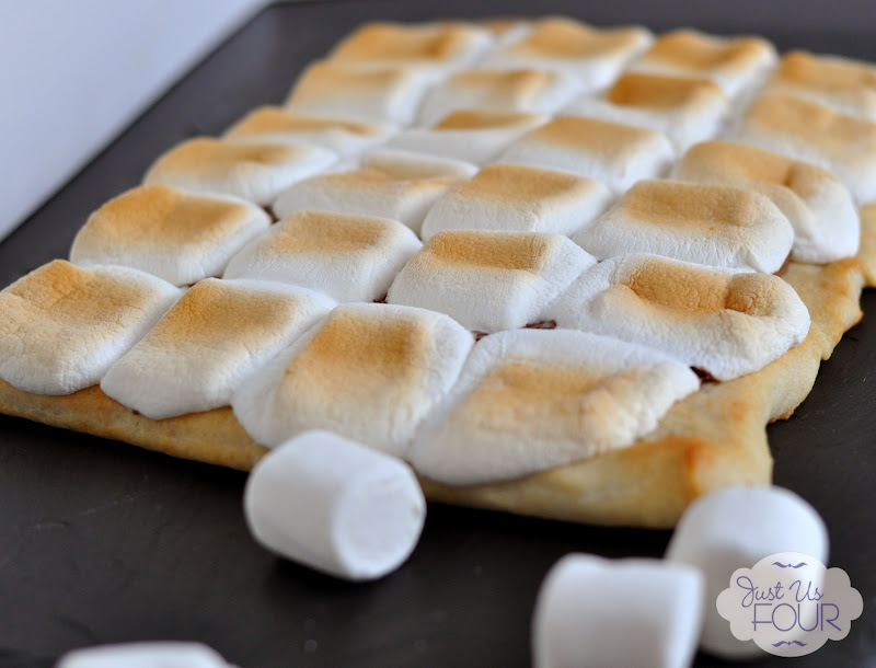 smores pizza baked