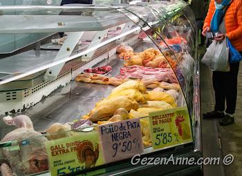 Horozdan tavşana organik ürünler, La Boqueria Barselona