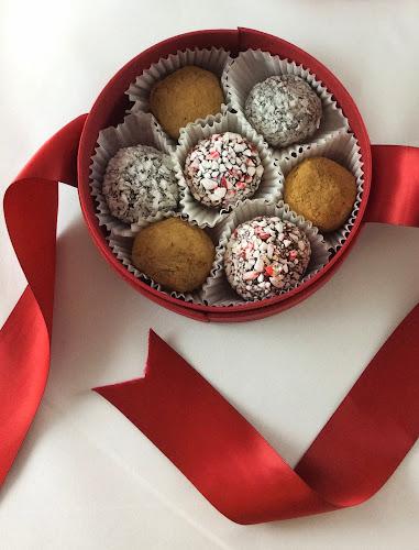 Trufle kawowe, deser,kakao, kawa, kokos, czekolada, prezent, pralinki