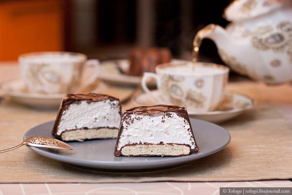 Рецепт: Шоколадный десерт с маршмэллоу