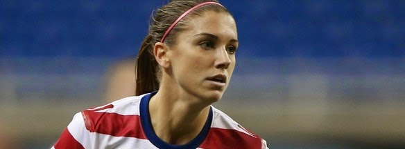 how much female footballers earn