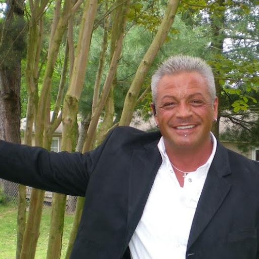 Gary Helton