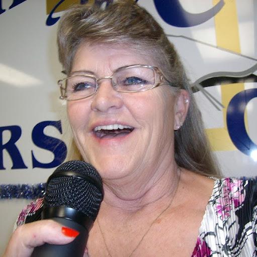 Evelyn Tucker