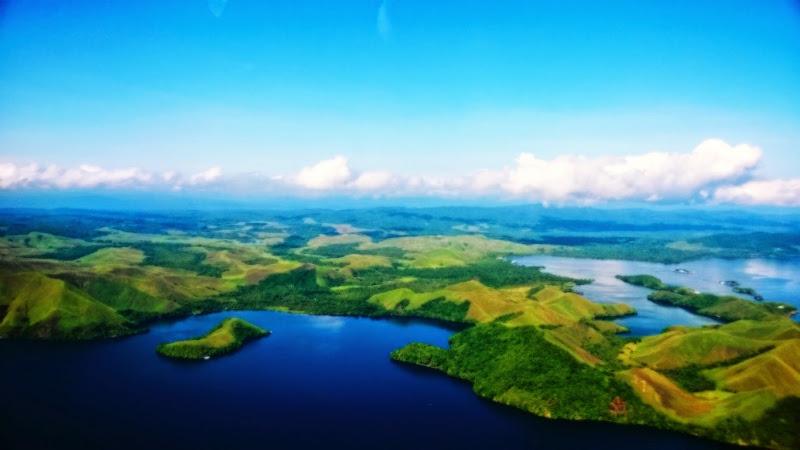 Danau Sentani dari Ketinggian