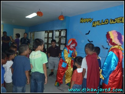 Trick or treat, kids, Kids in doodles, play, halloween