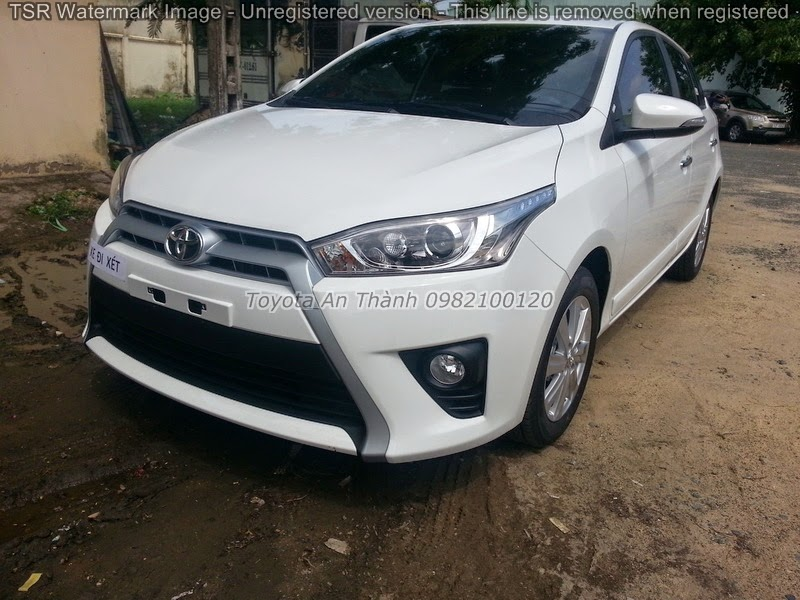 Khuyến Mãi Giá Bán Xe Ôtô Toyota Yaris 2015 Mới
