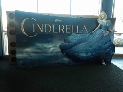 アメリカの映画館にあったシンデレラの告知ボード