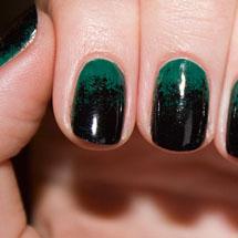Unhas ombre verde e preta